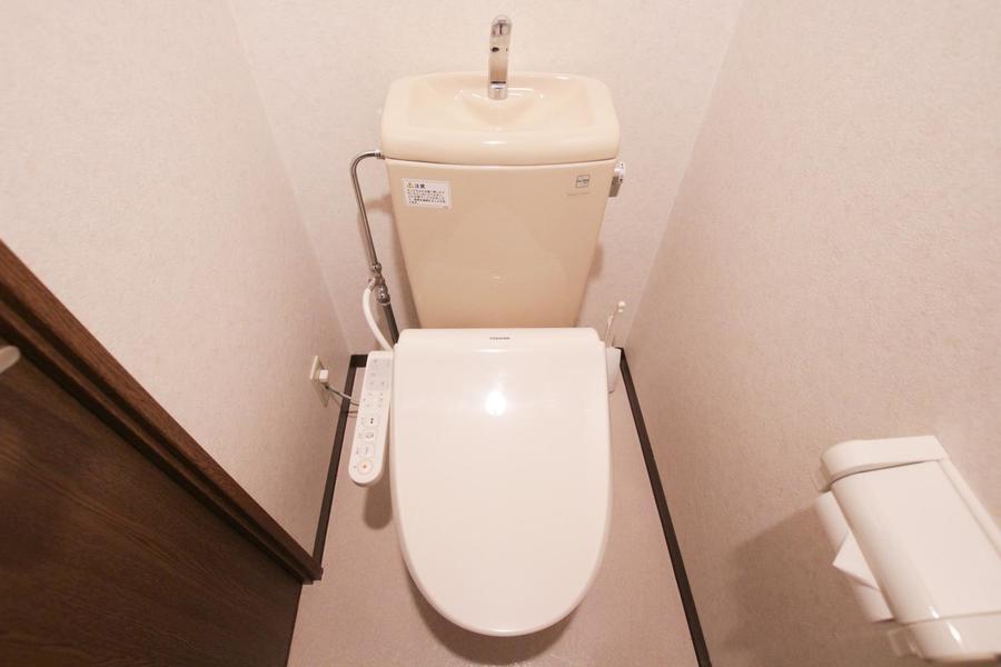 清潔感のあるトイレには人気のウォシュレットを完備しております