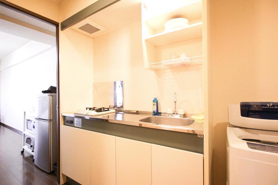 1Kルームでは広めのキッチン。ガスコンロは便利な2口タイプ