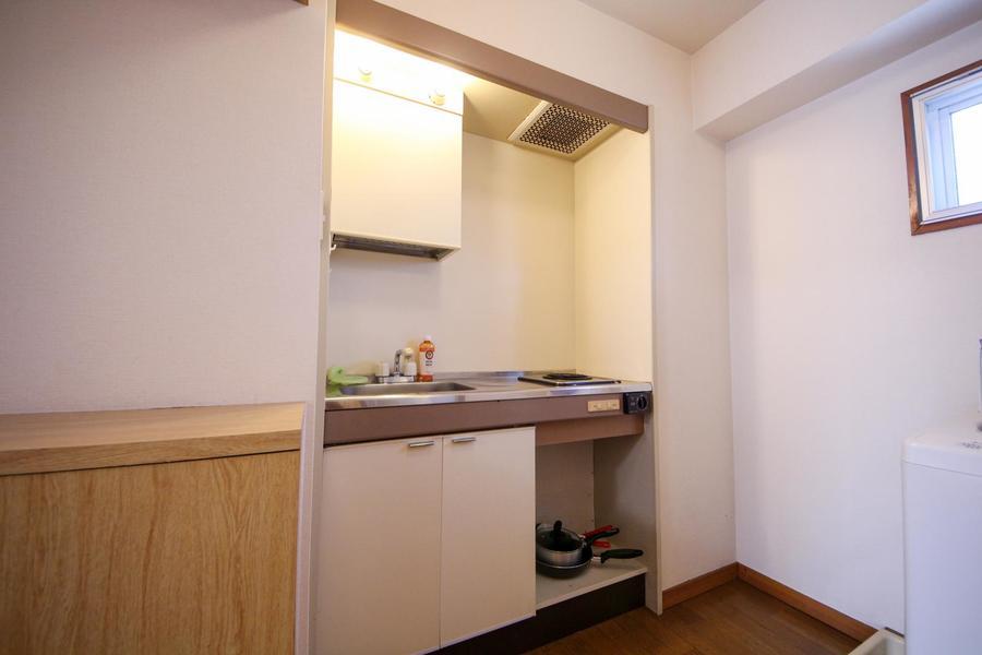 キッチン前はスペースが確保されており、動きにくさは感じません