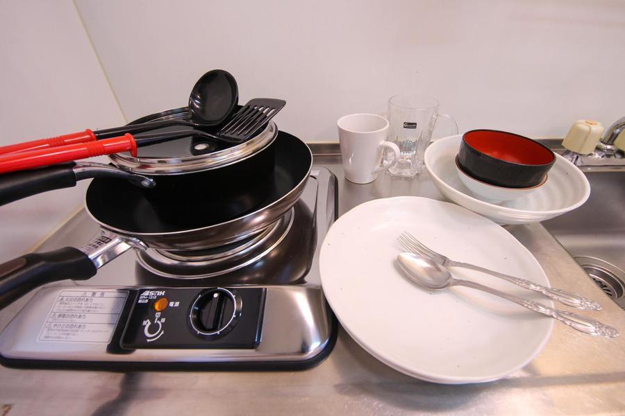 フライパンや食器類などのキッチン用品もすべてご用意しています
