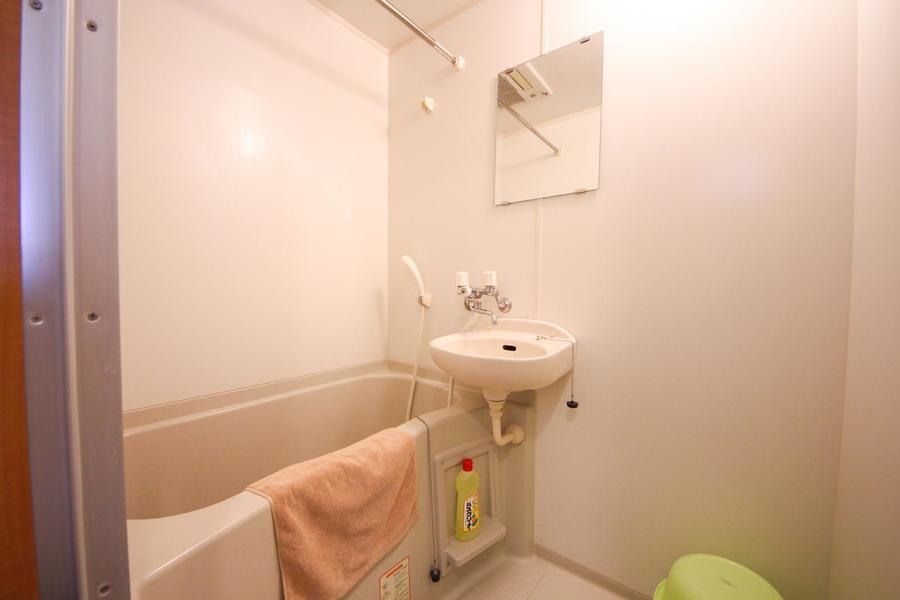 お風呂には浴室乾燥機能を搭載。雨の日も安心です