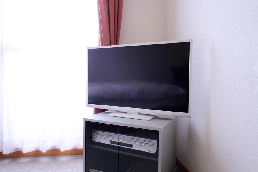 テレビは大きめの32型。DVDプレイヤーもご利用いただけます