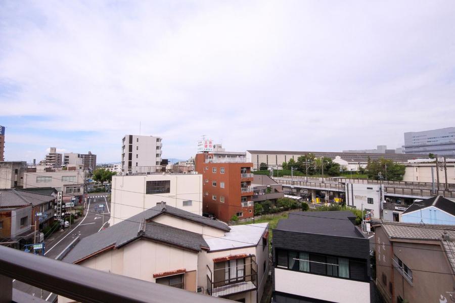 お部屋はすべて最上階。視界を遮る建物もなく見通しもすっきり