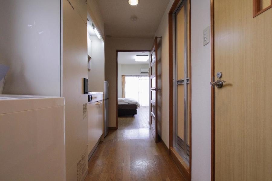 室内から続くフローリングで統一感のあるお部屋です