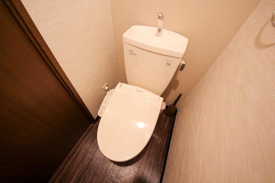 お手洗いは嬉しいシャワートイレタイプ