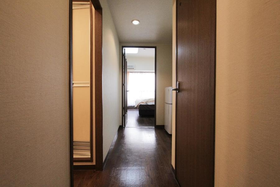 廊下周辺も室内と同じ色合いで統一感があります