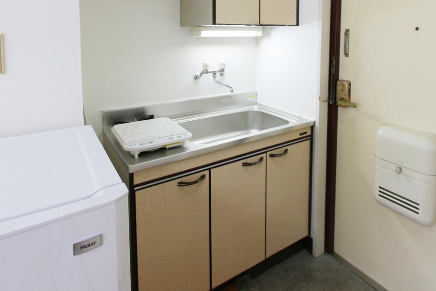 キッチンは広めのシンクとたっぷりの収納スペースがポイント