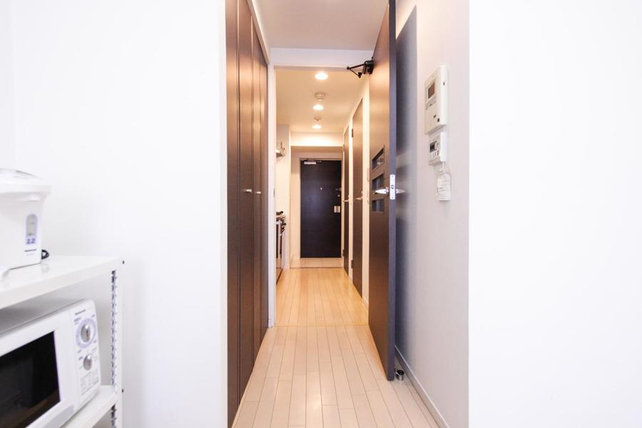 お部屋と玄関の間には段差がなく足元も安心です