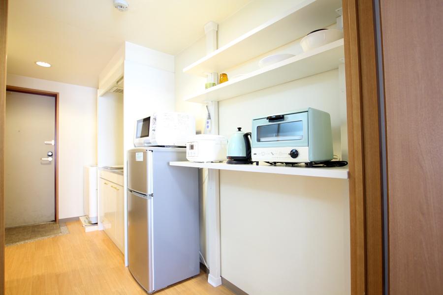 キッチンも棚を増やし、収納や置き場の心配を改善しました