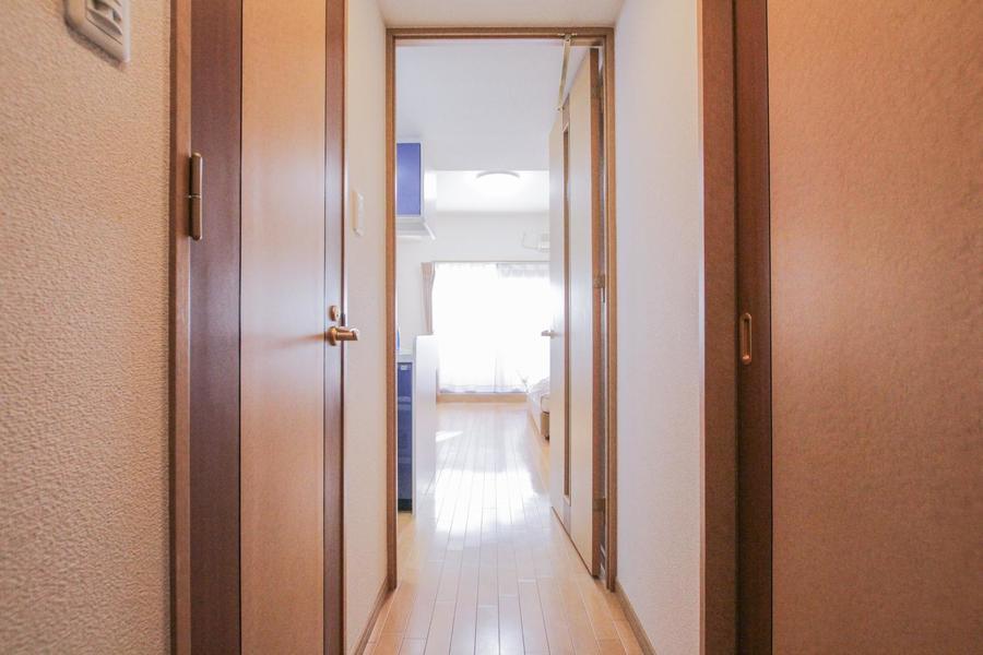 玄関から室内まで段差がなく、足元の不安もありません