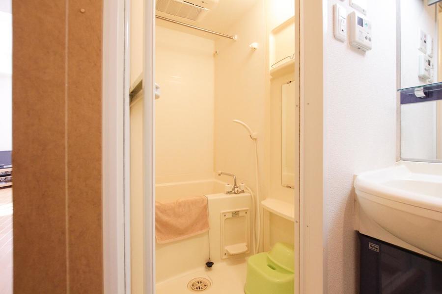 急な洗濯物にも即対応!浴室乾燥機能を搭載しています
