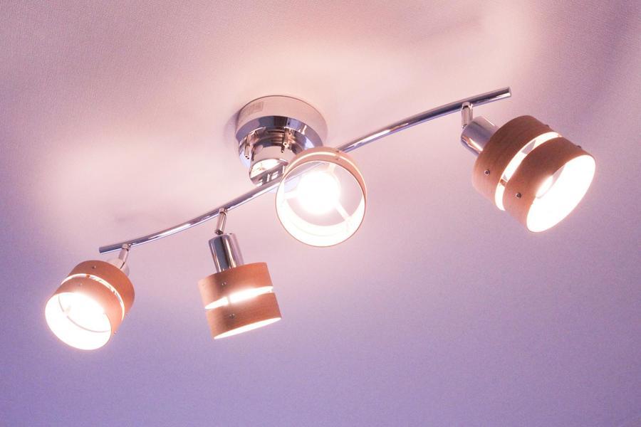 お部屋の雰囲気を活かす照明はスタッフこだわりのセレクト