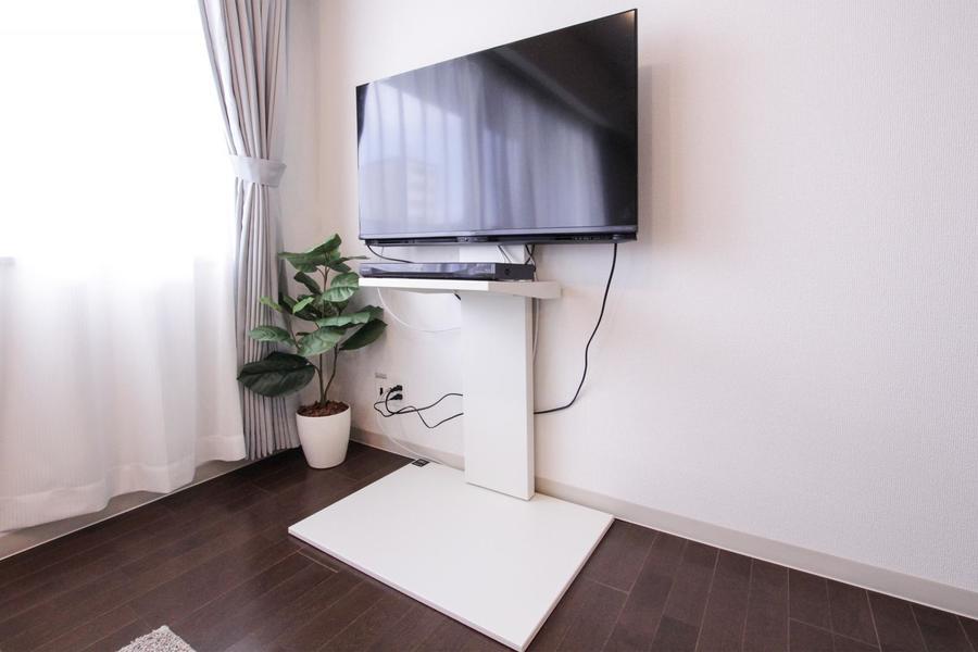 テレビスタンドを採用することでよりスッキリしたお部屋に