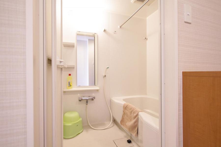 広々とおくつろぎいただけるバスルーム。嬉しい浴室乾燥機能つきです