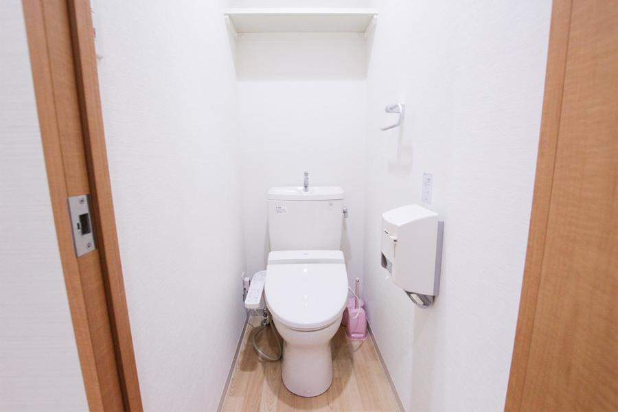 人気のシャワートイレ完備。セパレート式で衛生面も安心です