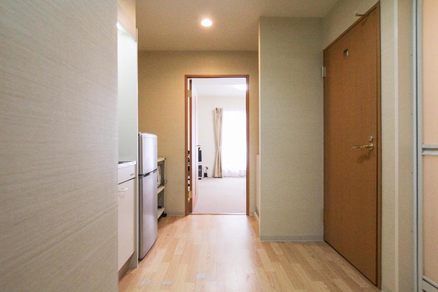 廊下は木の温かさあふれるフローリングタイプ