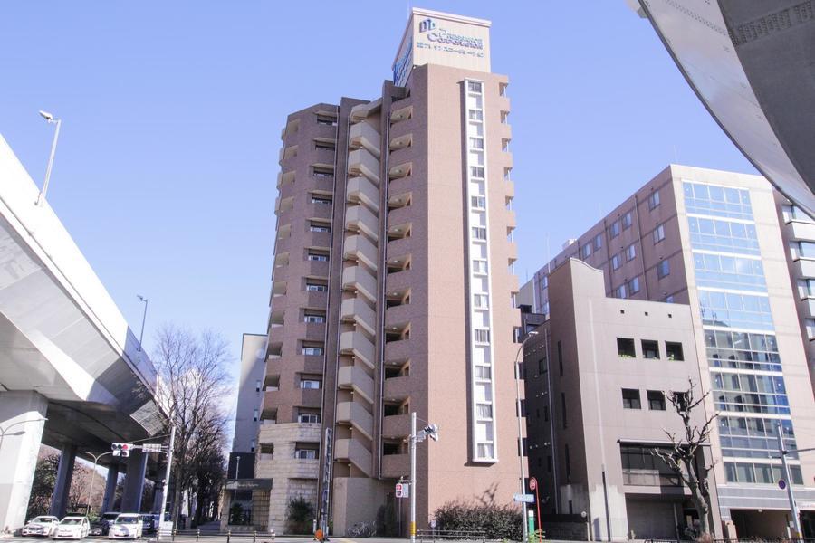 アンティークカラーの外観が特徴。名古屋の大通りに面しています