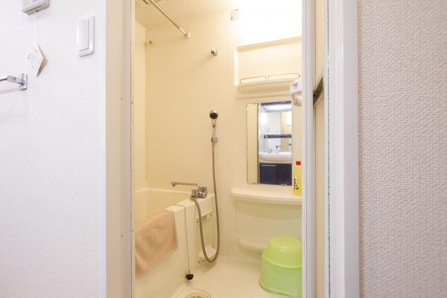 ゆったりくつげるバスルームには人気の浴室乾燥機能を搭載
