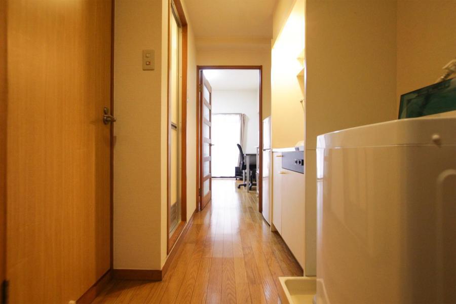 お部屋と玄関の間は段差がなく、うっかり躓いたりという不安もありません