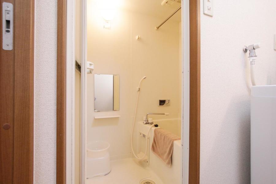 お風呂には浴室乾燥機能を搭載。急ぎのお洗濯物もおまかせください!