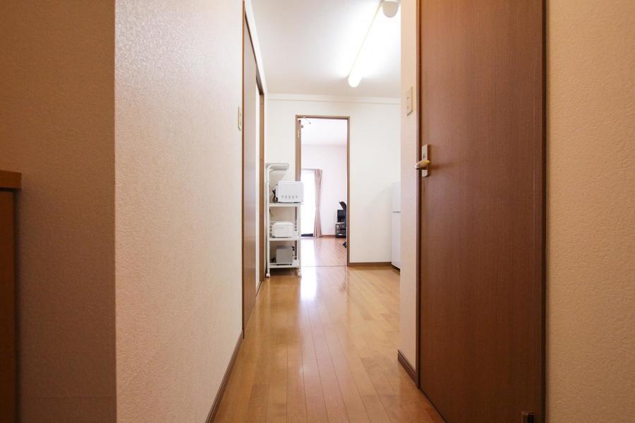 入り口からキッチン、お部屋までは段差のないフルフラットタイプ