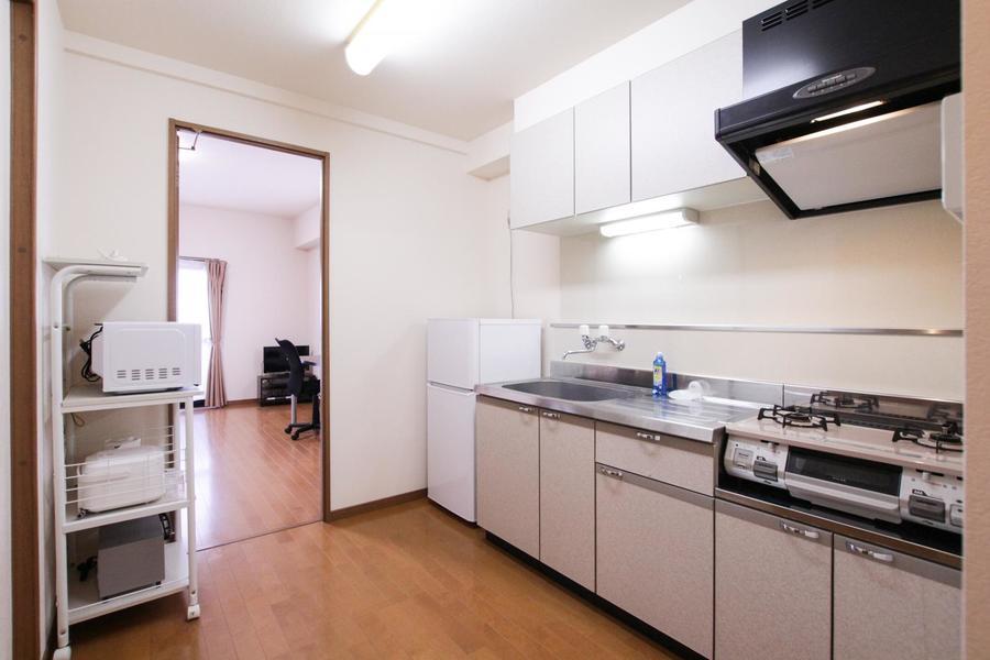 3帖のキッチンは広々ゆったり。狭くて動きにくいといった心配もありません
