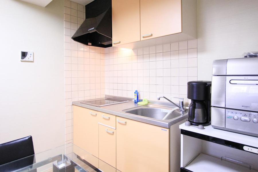 広めのシンクが魅力的なキッチン。IHコンロ搭載です