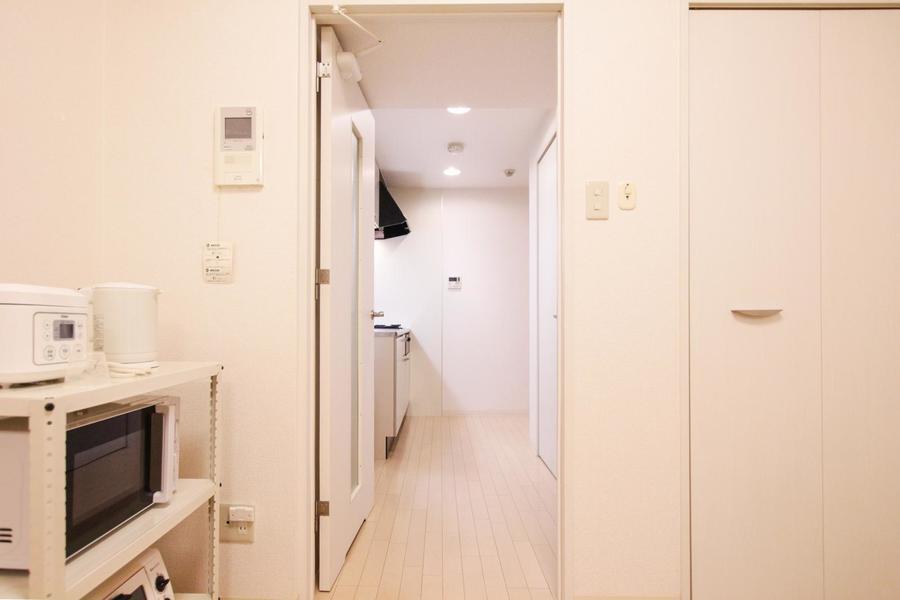 L字型のお部屋のため、玄関からは室内が見えないつくりになっています