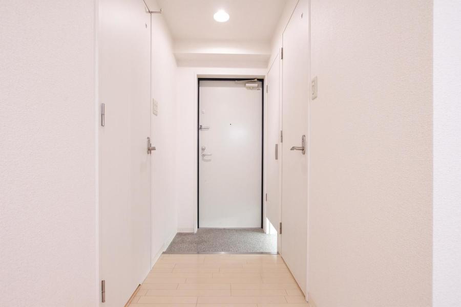 室内と同じくオフホワイトで構成された優しい色合い。