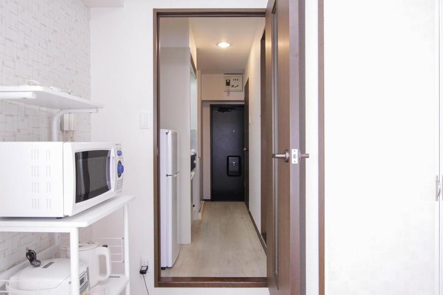 お部屋と廊下の間は扉が設置。セキュリティ対策と室温管理に!