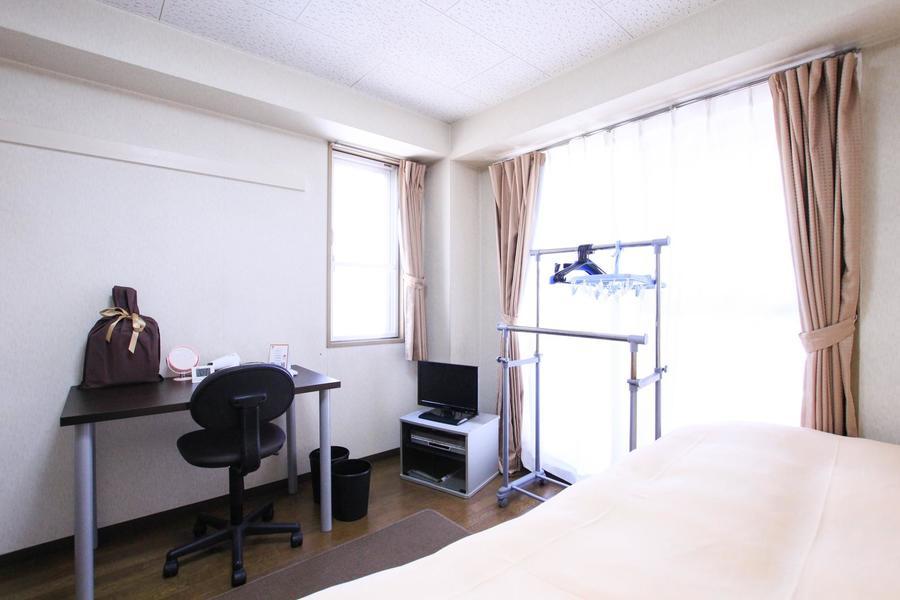 ブラウン系の色で統一されたお部屋。シックさの中にも温かみを感じます