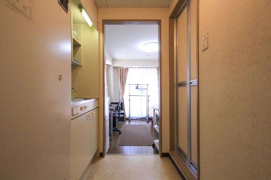 キッチン兼廊下は比較的広め。狭すぎず動きやすいです