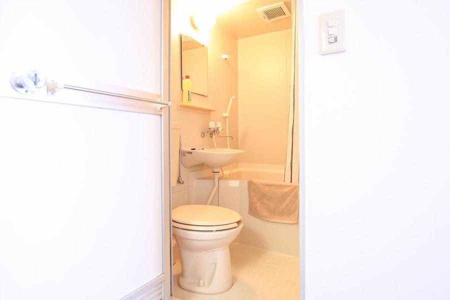 お風呂はお掃除も便利なユニットバスタイプ