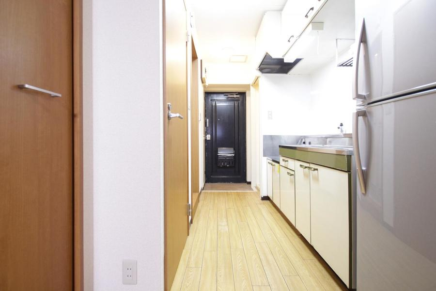 廊下も室内と同じくフローリングタイプ