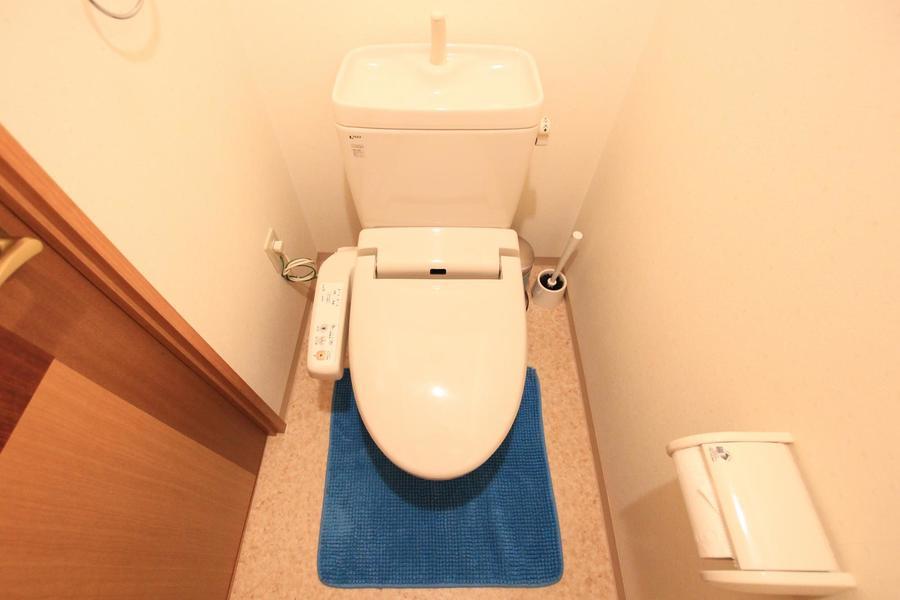 トイレは人気のシャワートイレタイプです