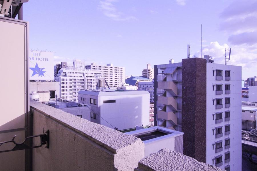 周辺は背の高い建物も少なくベランダからの視界も広々