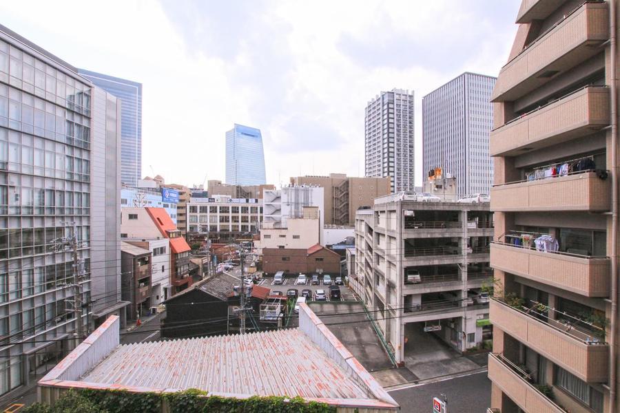 高層階のベランダからは名古屋駅方面を一望できます