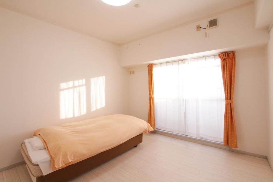 お部屋は洋室タイプが2部屋。どちらもベッド完備でゆったり過ごせます