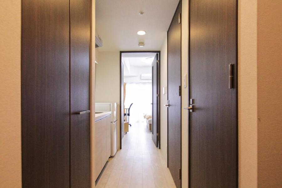玄関にはシューズボックスを完備。廊下もフラットで安心です