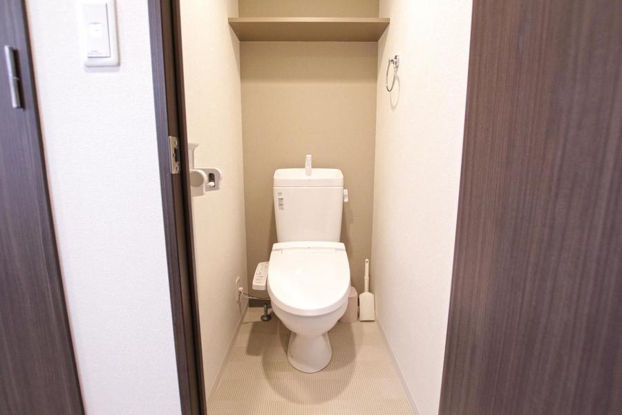 トイレは人気のセパレートタイプ。ウォシュレットも完備です