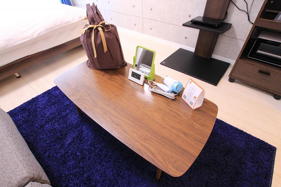 ローテーブルはビジネスにもお食事にも適した大きさ