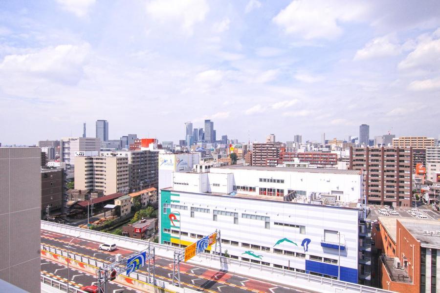 全室10階以上の高層階。眼下に名古屋高速、眼前に名駅方面が望めます
