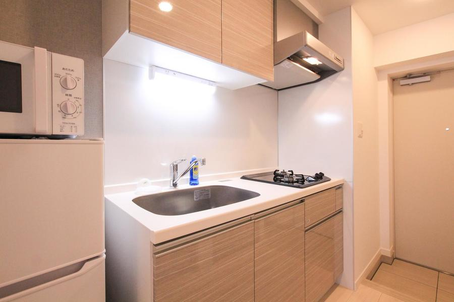 上下にたっぷりの収納を揃えたキッチン。ガスコンロは2口タイプです