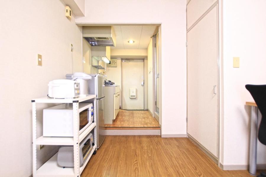 家電ラック、冷蔵庫などはお部屋側に配置されています
