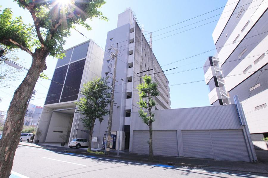 名古屋駅東口から徒歩7分。利便性抜群ながら利用しやすいお値段が魅力です