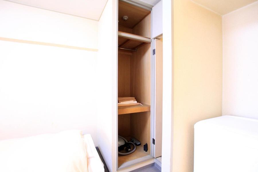 室内入り口には収納スペースを完備。高さもあり収納力抜群!