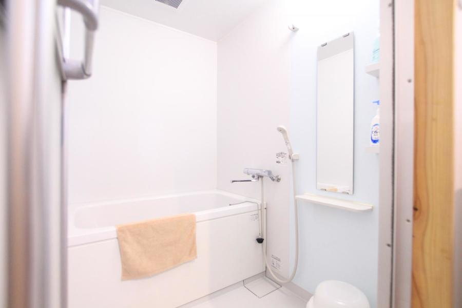 バスルームは手足を伸ばして浸かれるゆとりある広さ