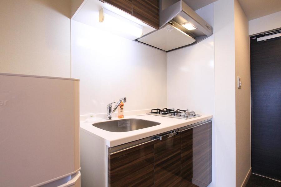 使いやすくシンプルなキッチン。ガスコンロは嬉しい2口タイプです