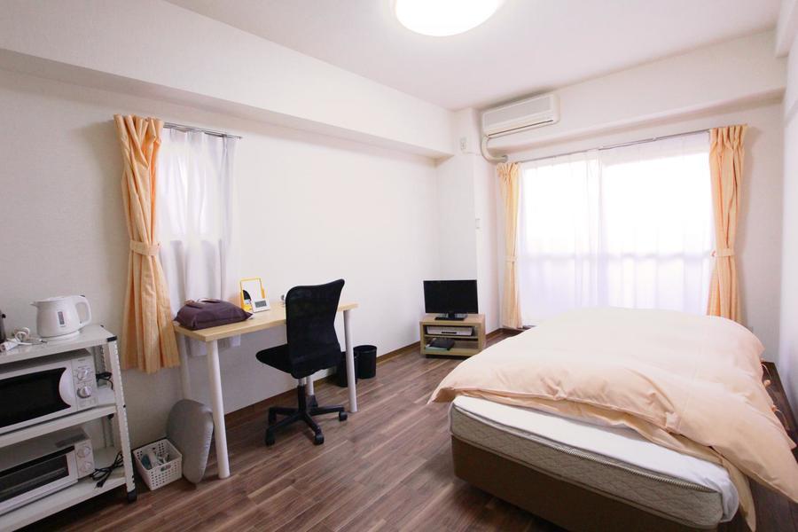 室内はフローリングタイプ。はっきりとした木目がお部屋を引き締めます