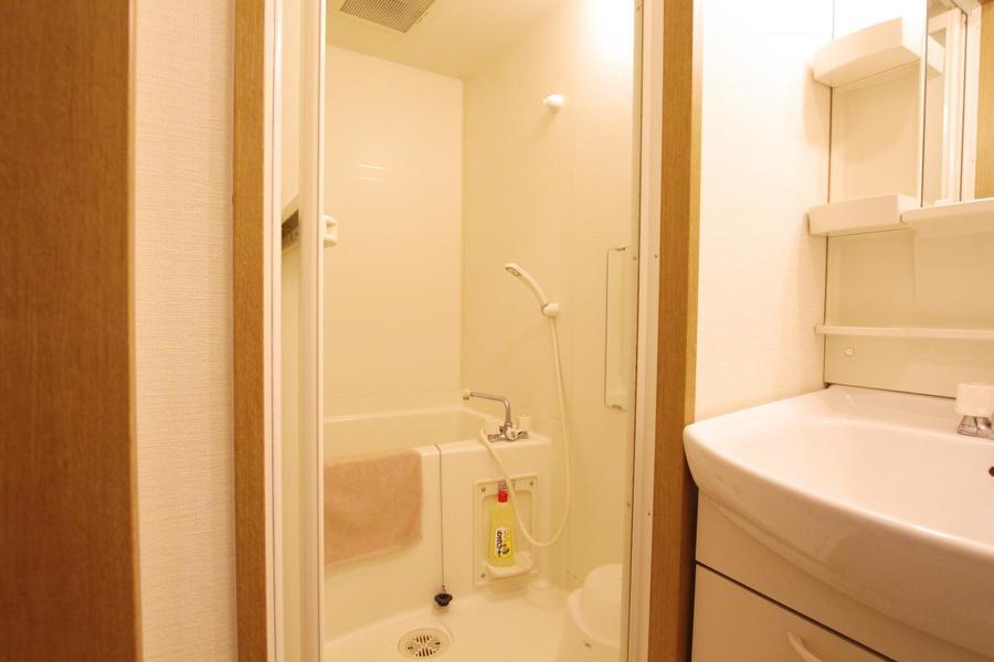 毎日の疲れを癒やしてくれるバスルーム。お風呂用品もご用意しています